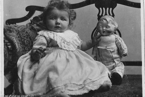 Hilda Christmas 1913
