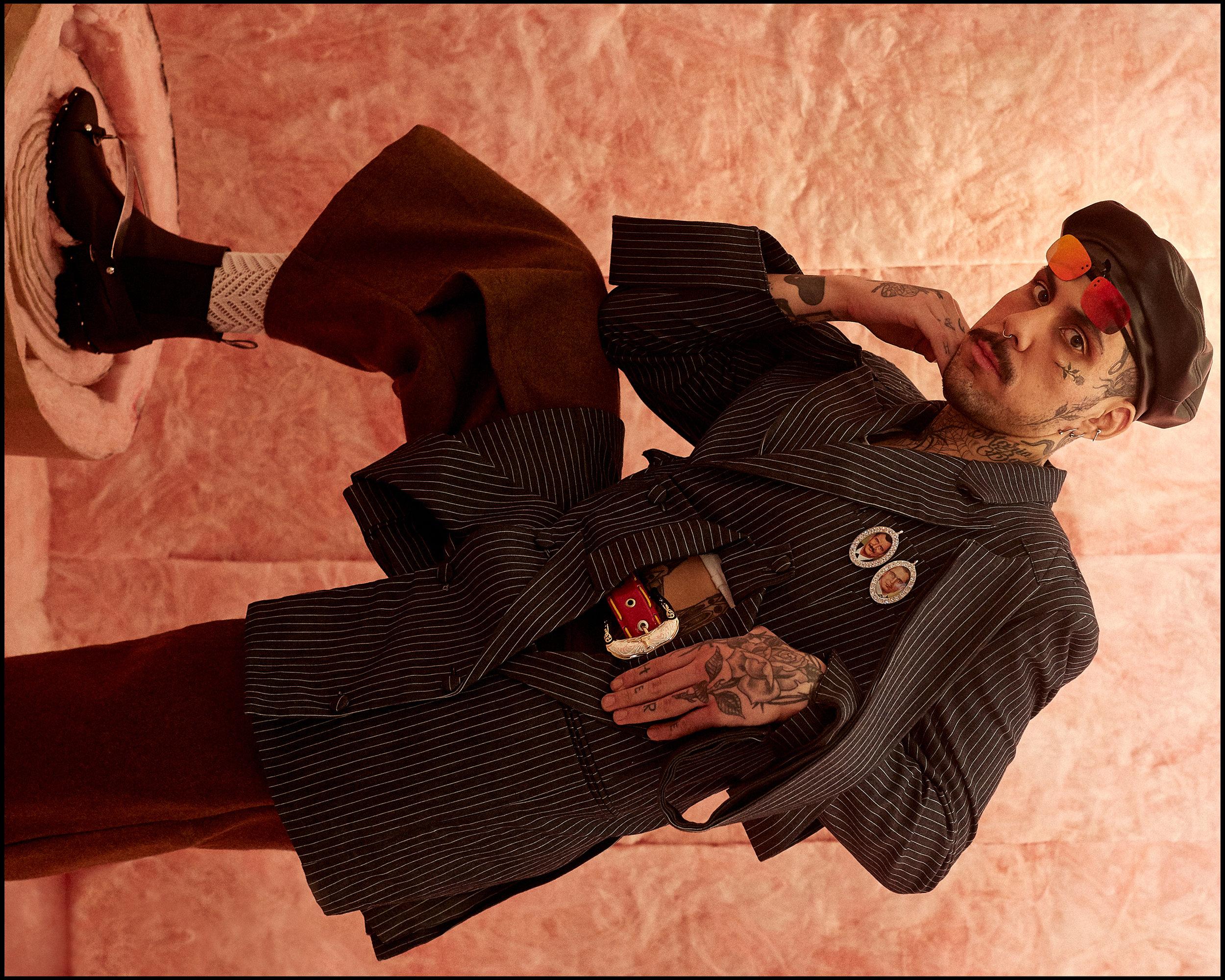 Black_Frame_SanchezKane_RicardoRivera_01.jpg