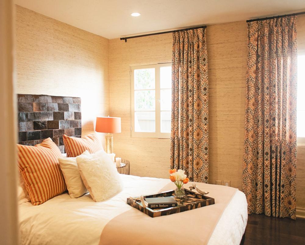 AmericanDreamBuilders-Ep3-Red-Bedroom.jpg