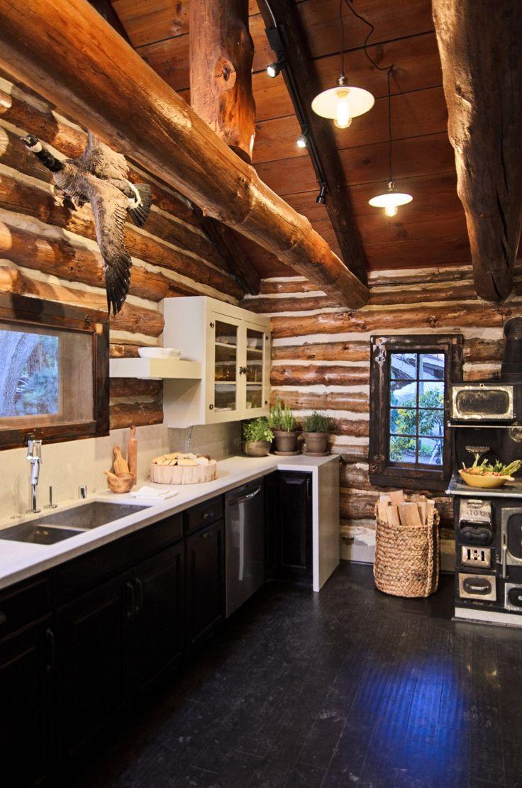 AmericanDreamBuilders-Ep4-Red-Kitchen-2.jpg