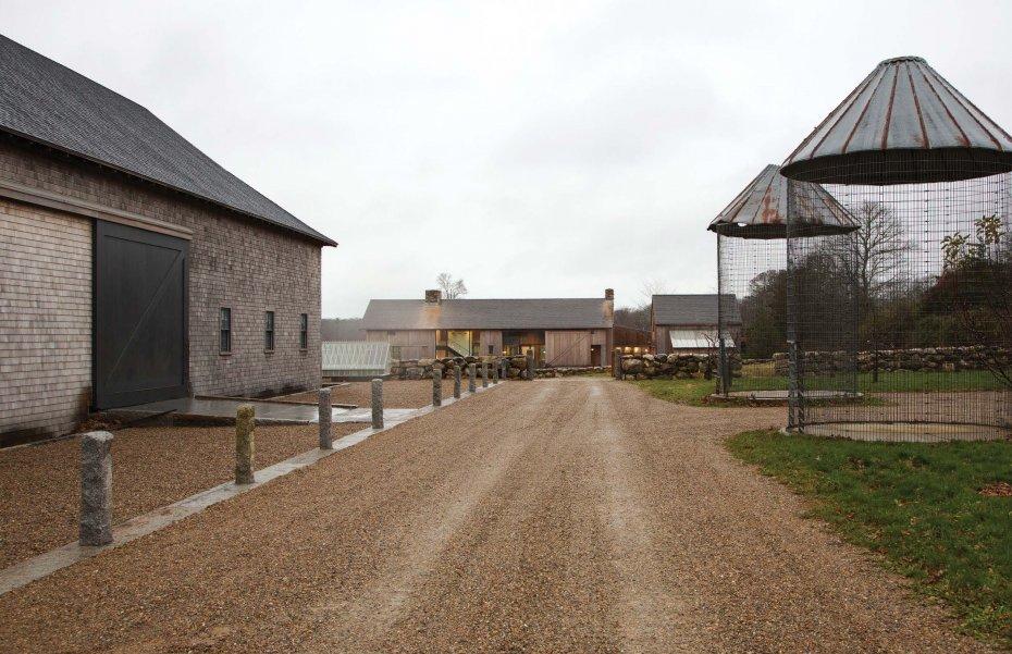 farm entrance by Hutker Architects