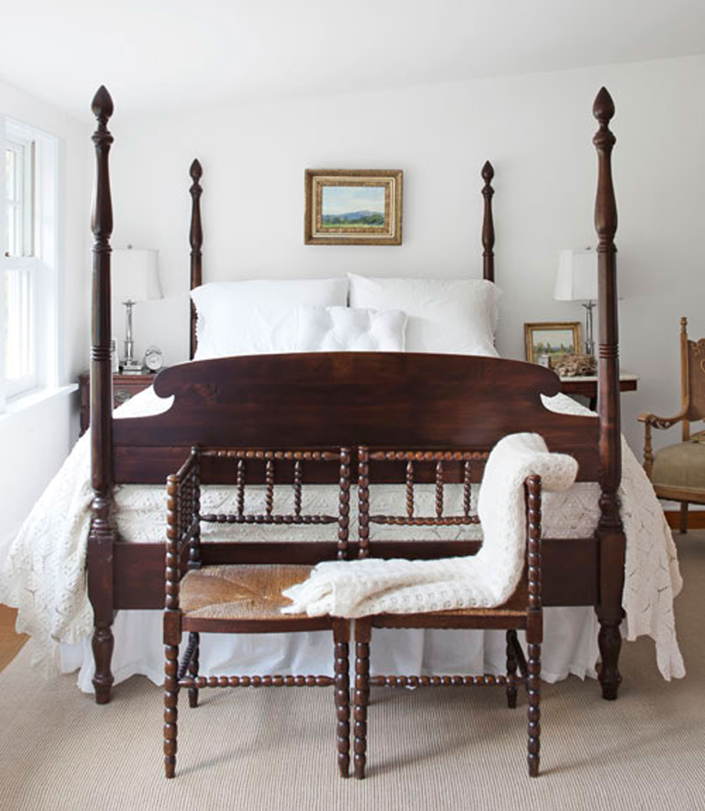 1940's four poster bed  A Country Farmhouse