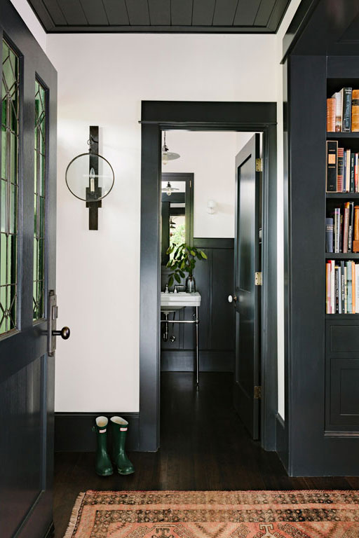 jessica-helgerson-library-house-entry.jpg