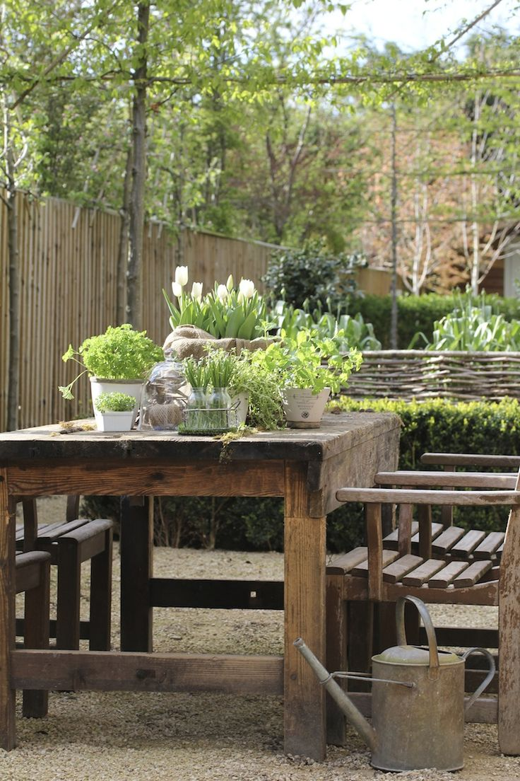garden-pinners-hendy-curzon-table.jpg