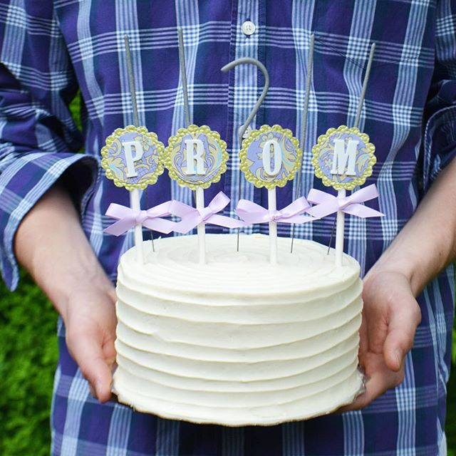 It's that time of year!!!!! Sweet promposal featuring purple paisley cupcake toppers, sparklers and a freshly baked cake. She said yes! #promposal #prom #cake #vanillacake #ribbon #bakesaletoronto #yyzeats #foodphotography #purple