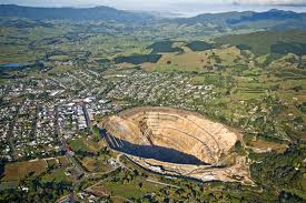 Waihi, New Zealand: Gold Mining and Coastal Town in Symbiosis. Cyanide Use since 1887.