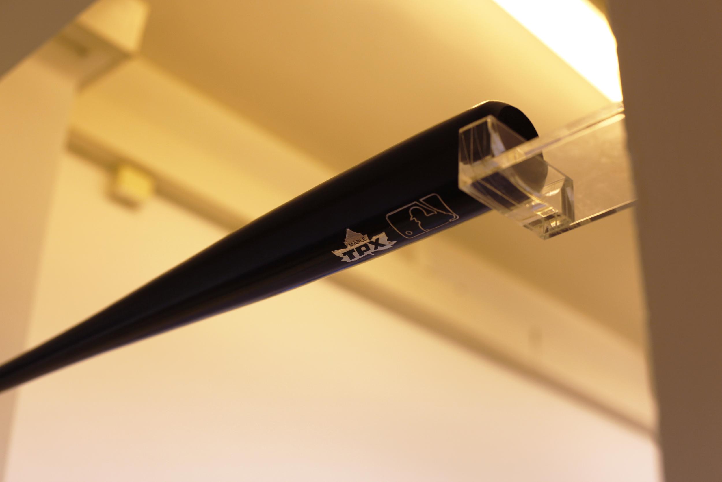 Liber-May_3-standard-baseball-bats_detail_black_MG_5206.jpg