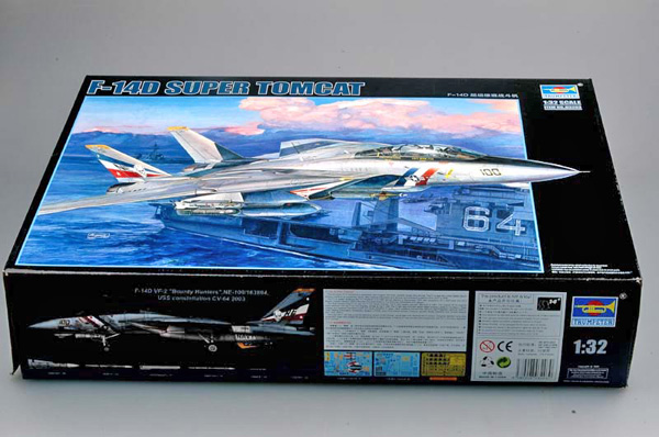 1 BN-Ac-Trumpeter-F-14D Super Tomcat, 1.32.jpg