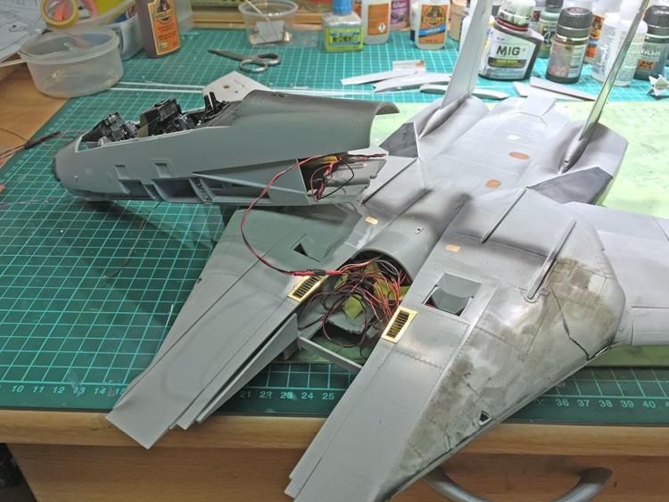 20 BN-Ac-Trumpeter-F-14D Super Tomcat, 1.32.jpg