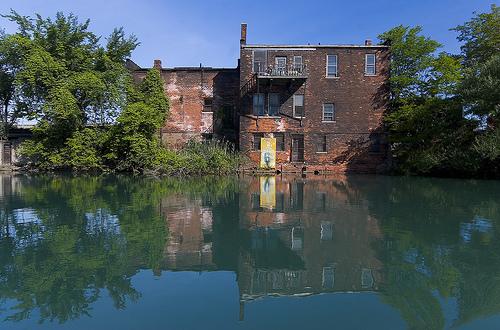 detroit river.jpg