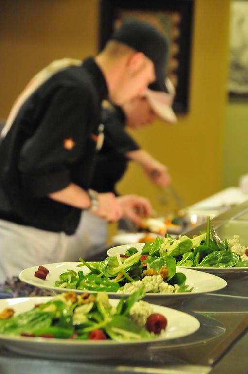 Epicurean Gormet Mixed Green Salad.JPG