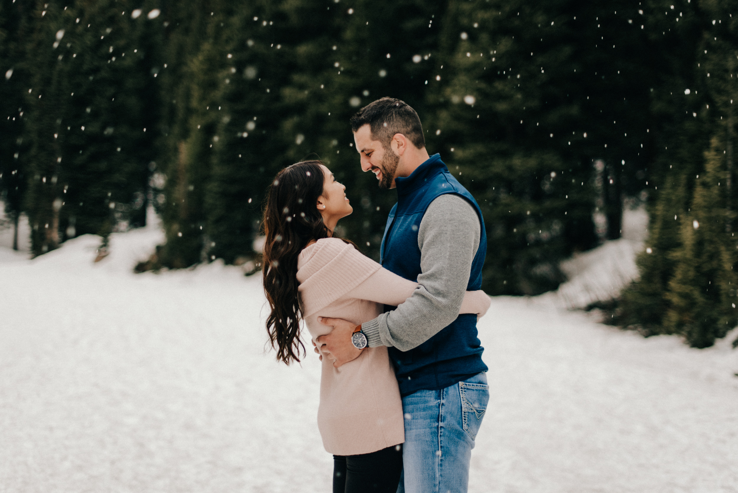 Steve and Celina being intimate under the snow.