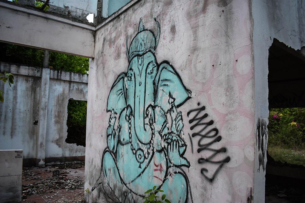 Graffitti in Mae Nam