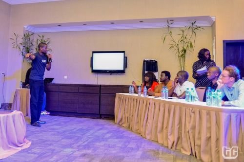 Finale_8-Clive-Ayonye-of-500Shops-pitching-to-the-judges-and-audience.jpg