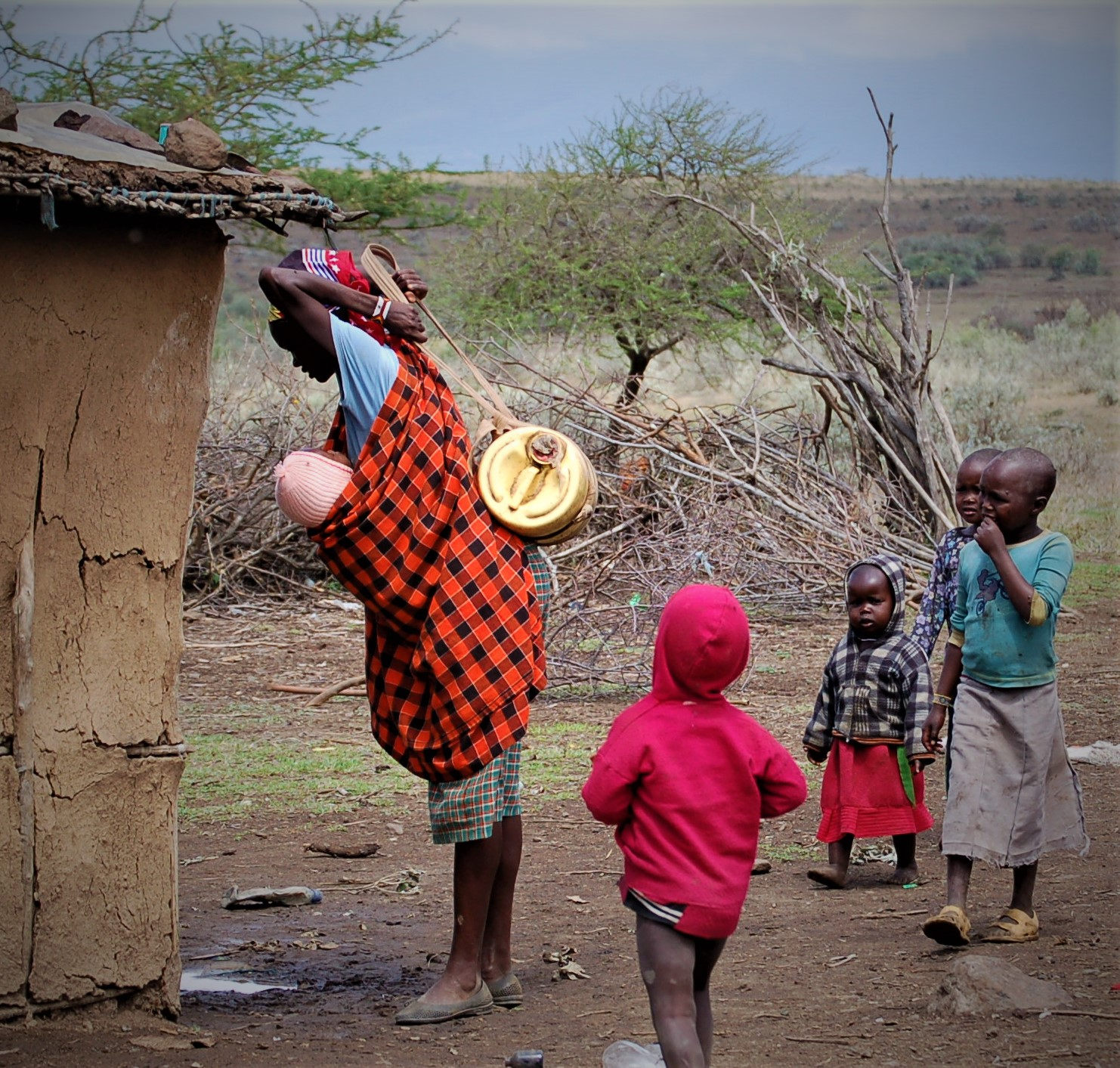 Motherhood in Narok, and many other parts of the world, looks like a baby on your front and water on your back. Water is hard work, and your family depends on you doing this arduous chore day in and day out.