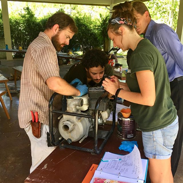 The hands-on nature of so much of ECHO training is targeted at helping the small-scale farmer in his/her pursuit of resilience! This afternoon was an amazing Intern seminar on how to operate, maintain, and repair small engines. #echofightshunger #smallenginerepair #handsonlearning #smallscalefarmers