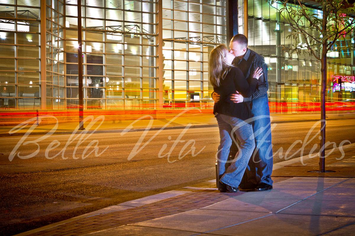 fort-wayne-wedding-photographers-photography-photos-indianapolis-carmel-fishers-noblesville-elkhart-muncie-auburn-huntington-bluffton-decatur-outdoor-couple-architecture-2.jpg