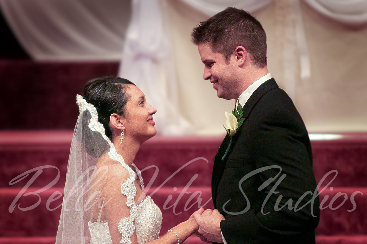 wedding-blackhaw-christian-church-fort-wayne-indiana-photographers-photography-photos-1031.jpg