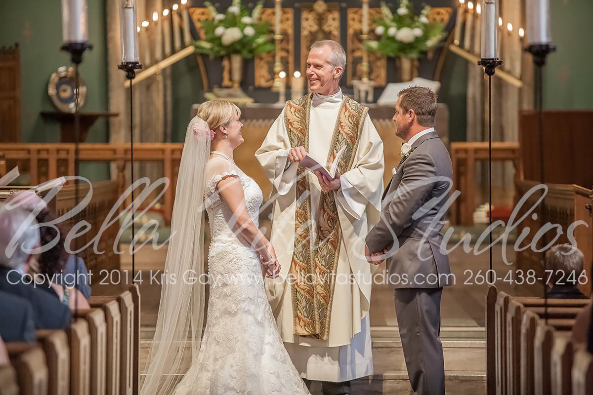 wedding-trinity-english-lutheran-church-fort-wayne-indiana-photographers-photography-engagement-1013wedding-trinity-english-lutheran-church-fort-wayne-indiana-photographers-photography-engagement-1013