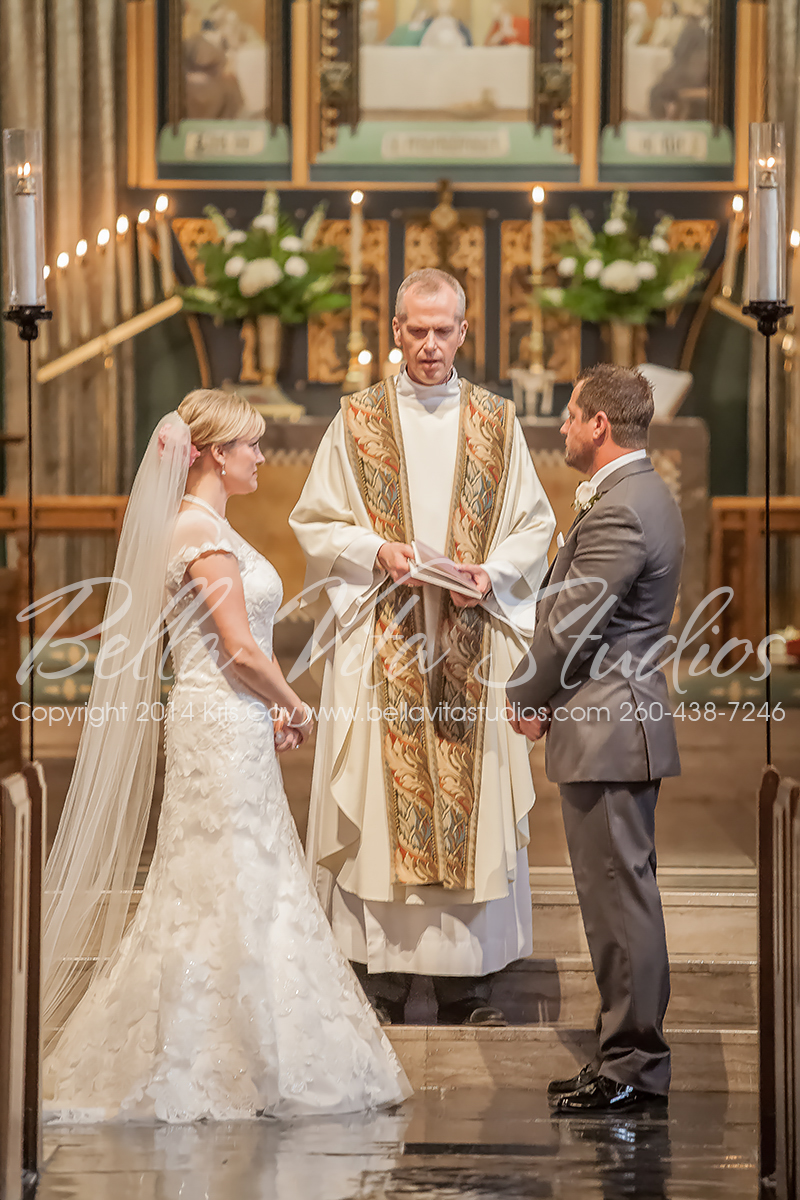wedding-trinity-english-lutheran-church-fort-wayne-indiana-photographers-photography-engagement-1016
