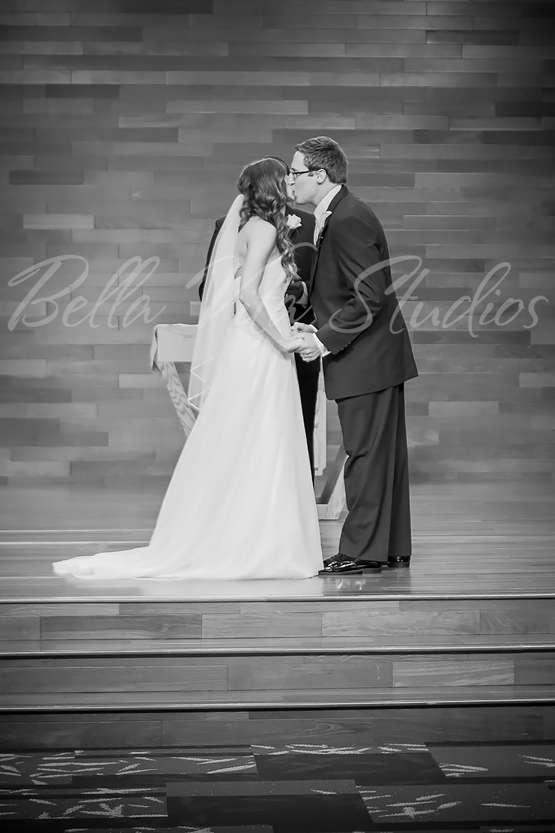 wedding-church-fort-wayne-reception-the-hayloft-hoagland-indiana-photographers-photography-1037
