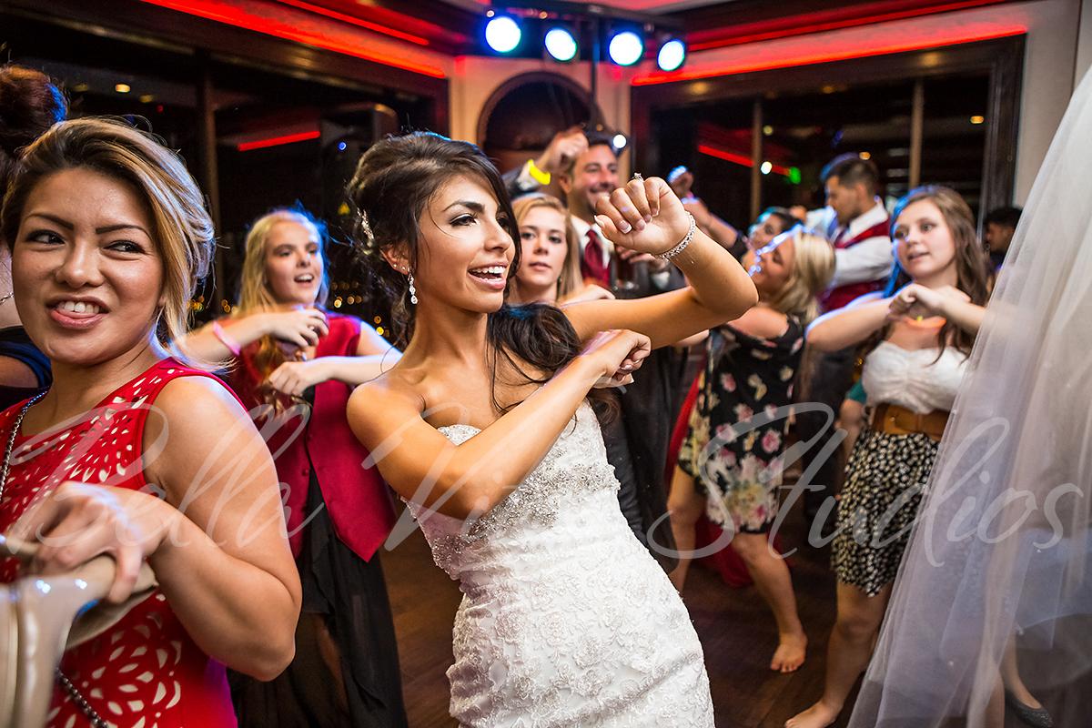 fort-wayne-wedding-photographers-photography-engagement-20140920-church-reception-1036