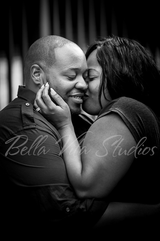 wedding-photographers-photography-in-fort-wayne-indiana-engagement-20150516-downtown-1014