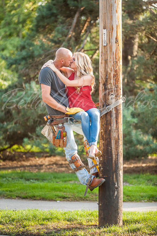 wedding-photographers-in-fort-wayne-indiana-photography-20150905-engagement-session-downtown-outdoor-1055