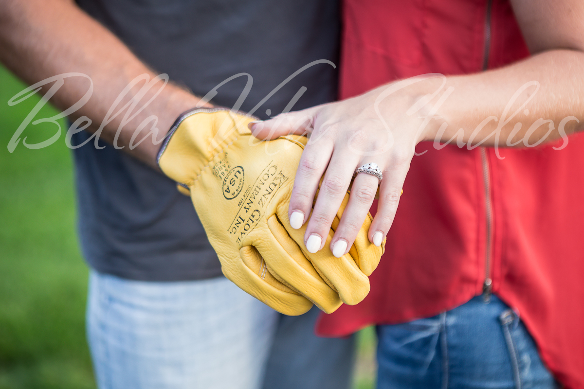 wedding-photographers-in-fort-wayne-indiana-photography-20150905-engagement-session-downtown-outdoor-1063