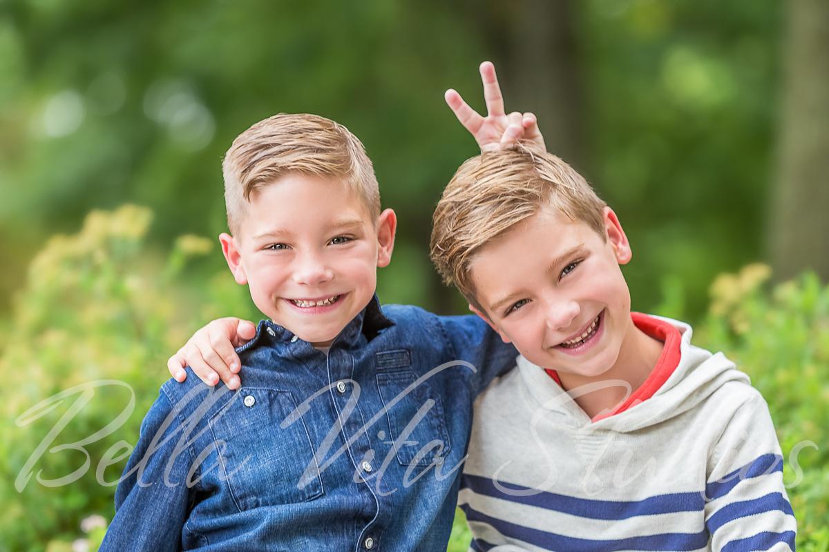 fort-wayne-family-photographers-photography-photos-20150806-downtown-kids-children-portraits-