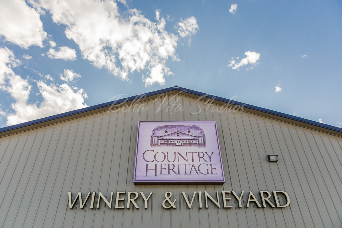 fort-wayne-indiana-commercial-photographers-photography-20150820-country-heritage-winery-pat-dyer-memorial-fund-1002