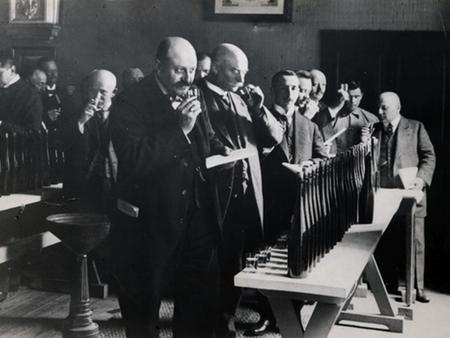 Grosser Ring Auction 1890s Mosel.jpeg