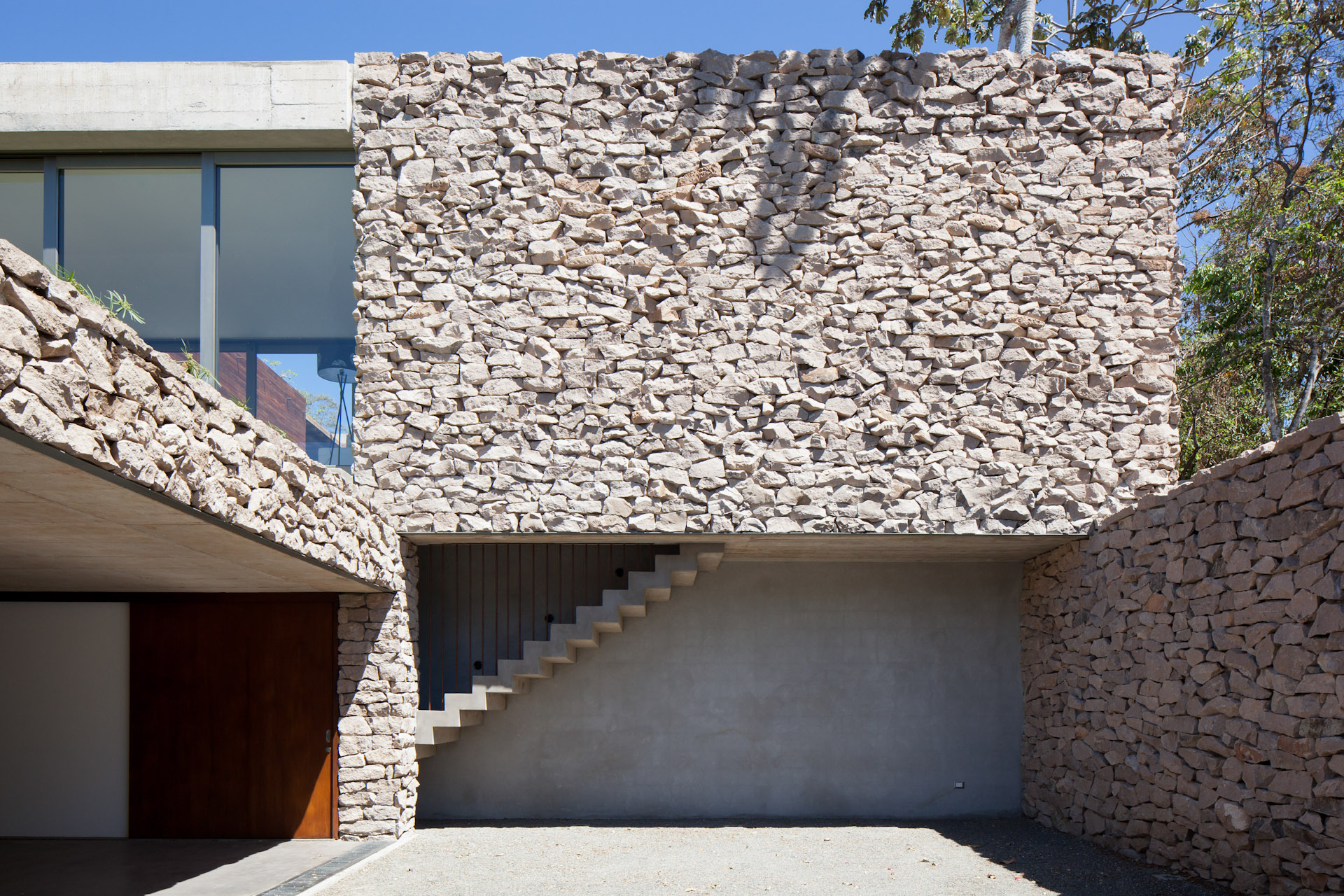 Architecture-Modern-Casa-Jardin-El-Salvador-Jason-Bax-02.JPG