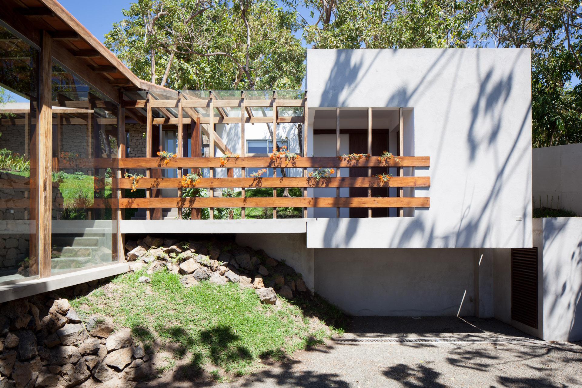 Architecture-Modern-Casa-Jardin-El-Salvador-Jason-Bax-04.JPG