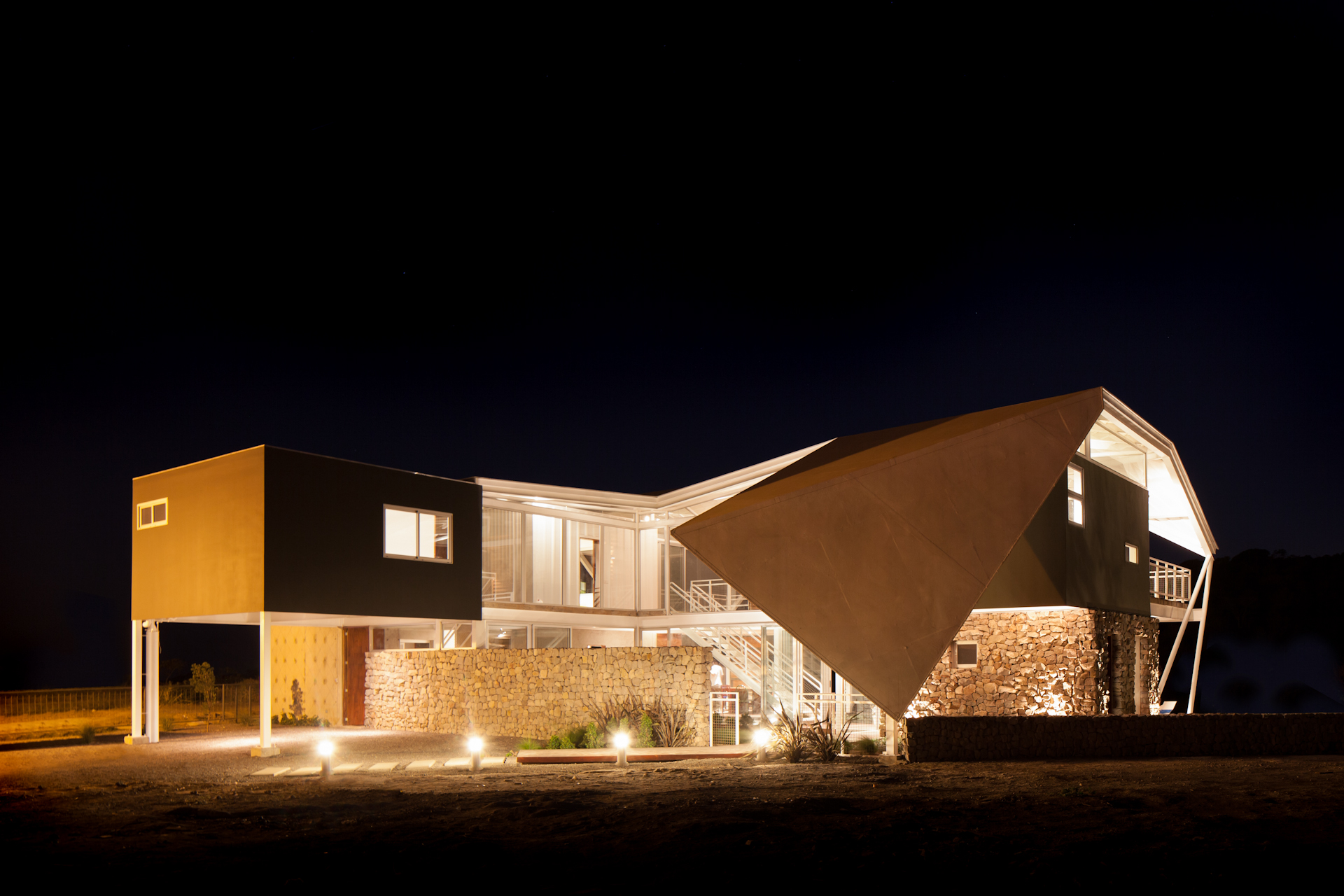 Architecture-Modern-La-Piscucha-El-Salvador-Dwell-Night-14.JPG
