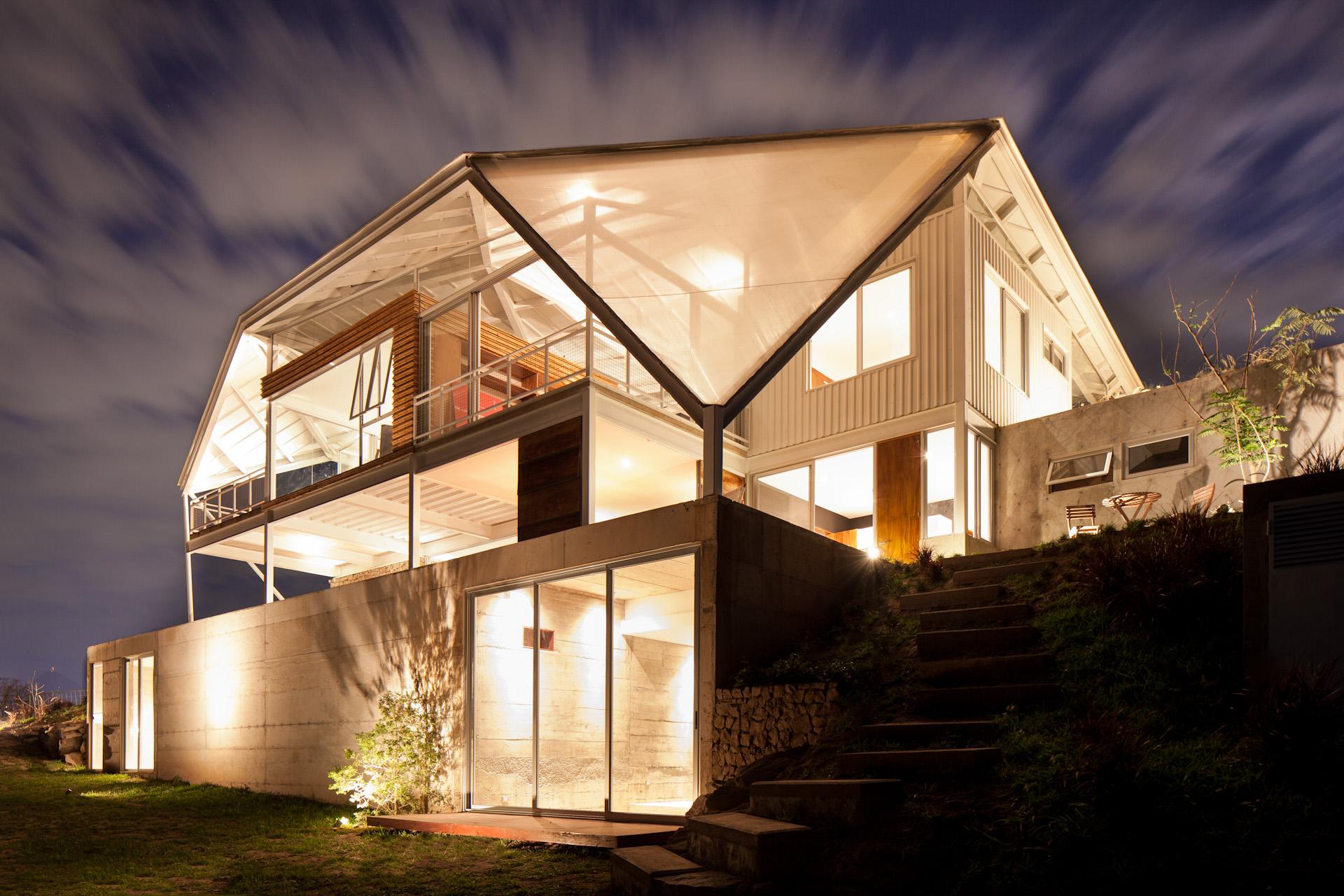 Architecture-Modern-La-Piscucha-El-Salvador-Dwell-Night-16.JPG