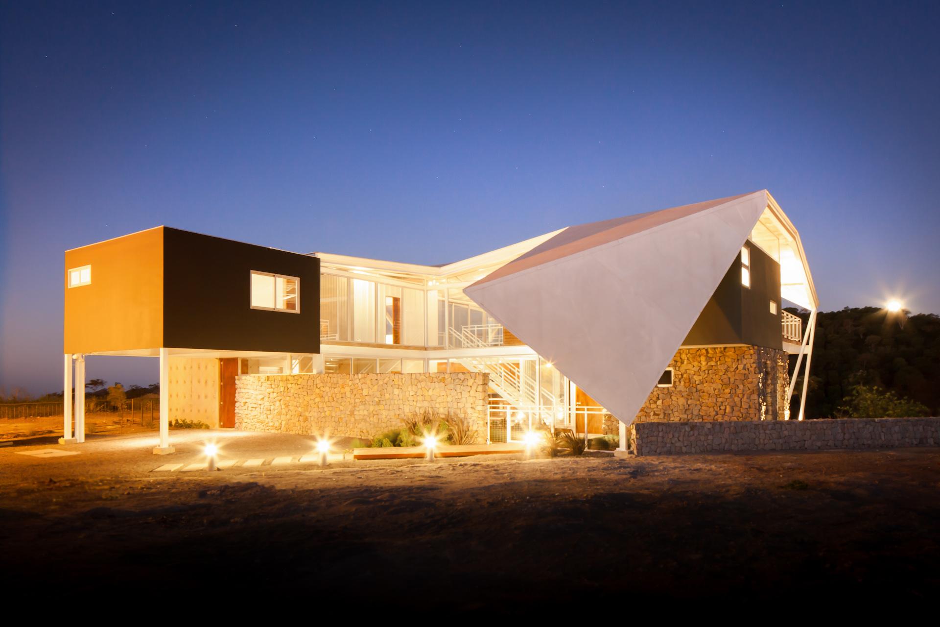 Architecture-Modern-La-Piscucha-El-Salvador-Jason-Bax-Dwell-01.JPG