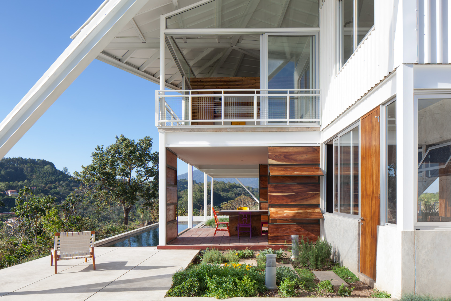 Architecture-Modern-La-Piscucha-El-Salvador-Jason-Bax-Dwell-06.JPG
