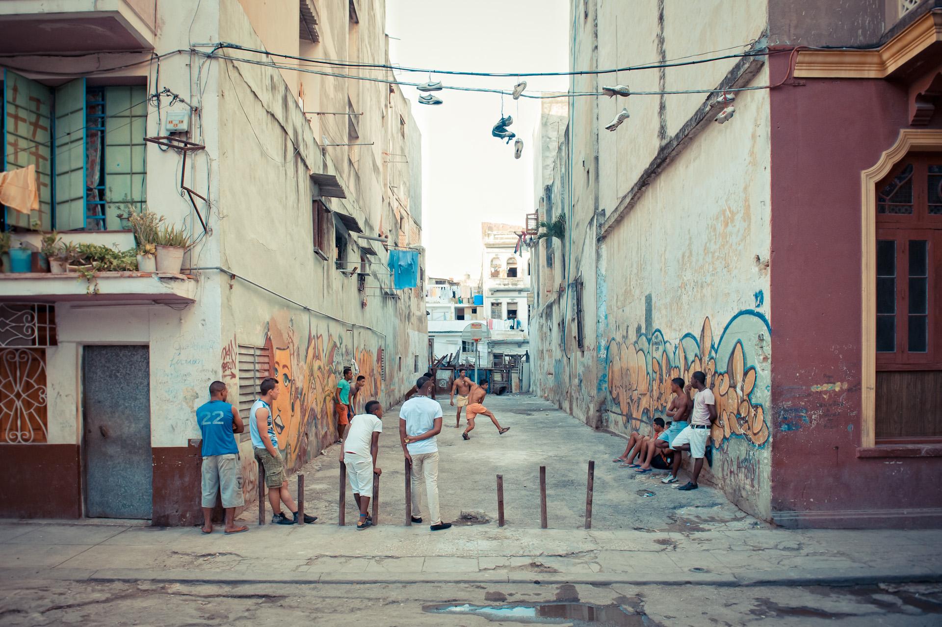 Cuba-Havana-Travel-Street-Scence-Game.JPG