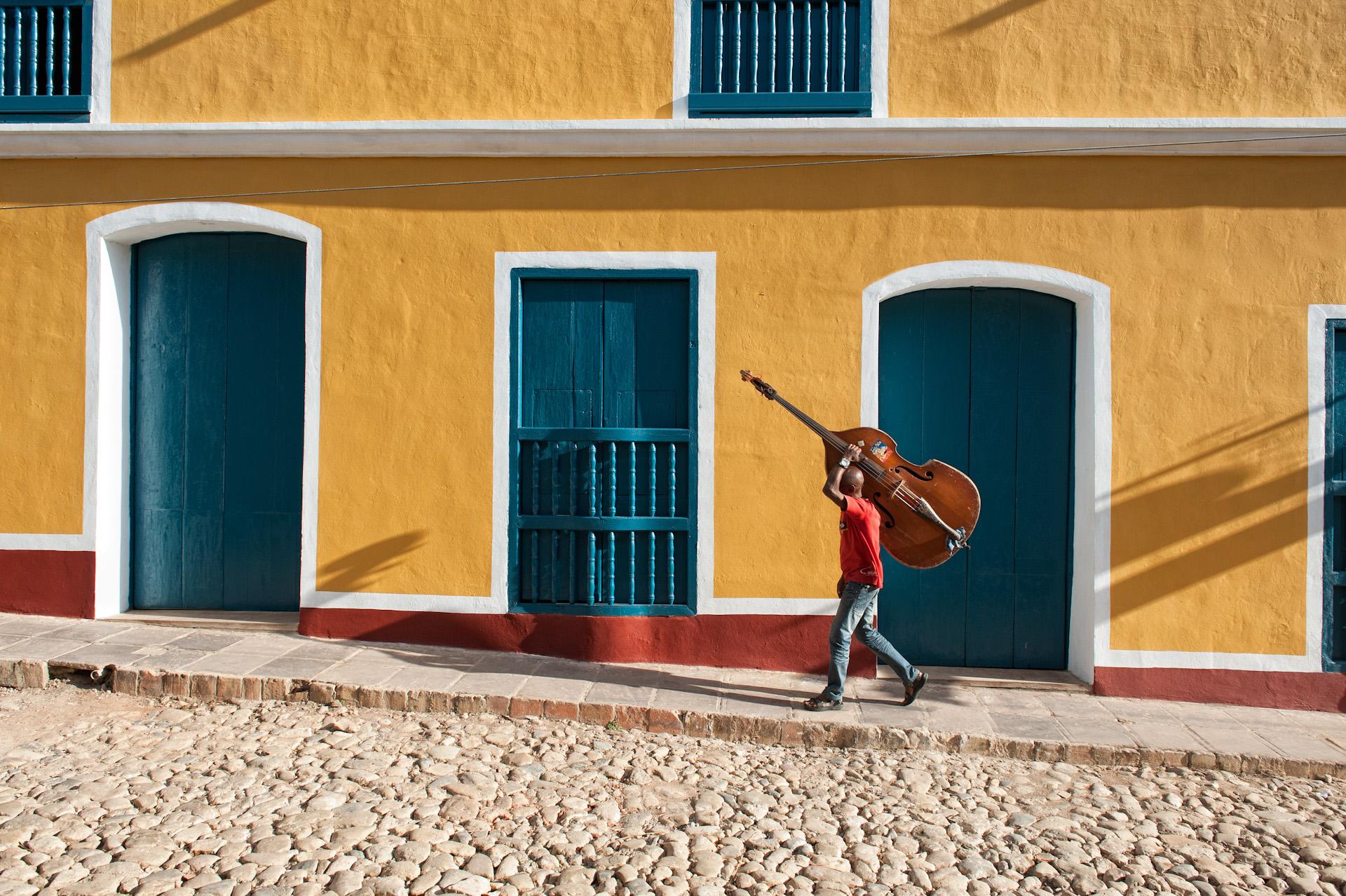Cuba-Trinidad-Travel-Street-Scence-Instrument-Jason-Bax.JPG