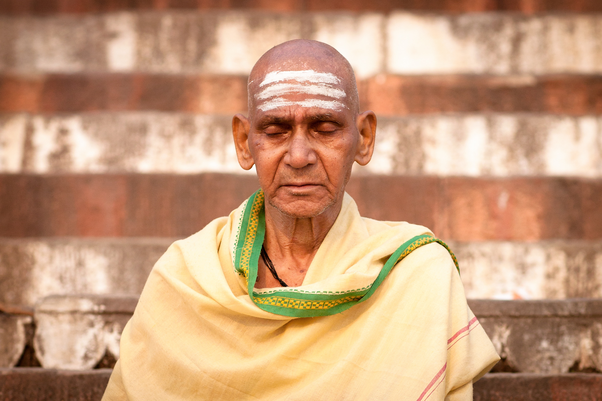 India-Travel-Varanasi-Ghats-Portrait.JPG
