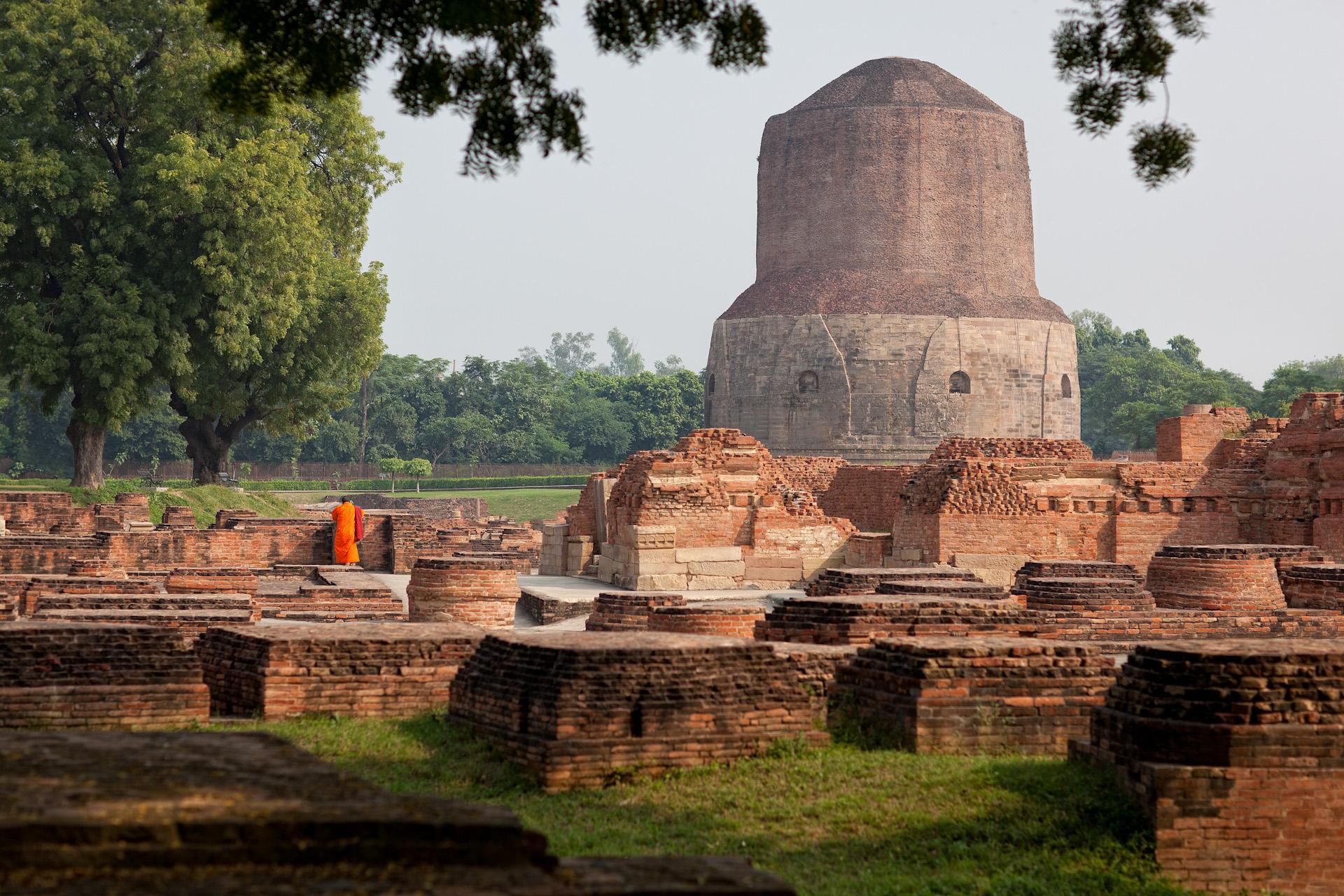 India-Travel-Varanasi-Saranath-Buddhism-Buddha-Temple.JPG