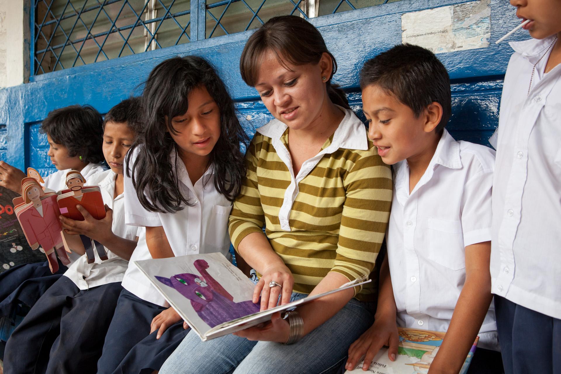 Humanitarian-Education-Contextos-El-Salvador-Children-06.JPG