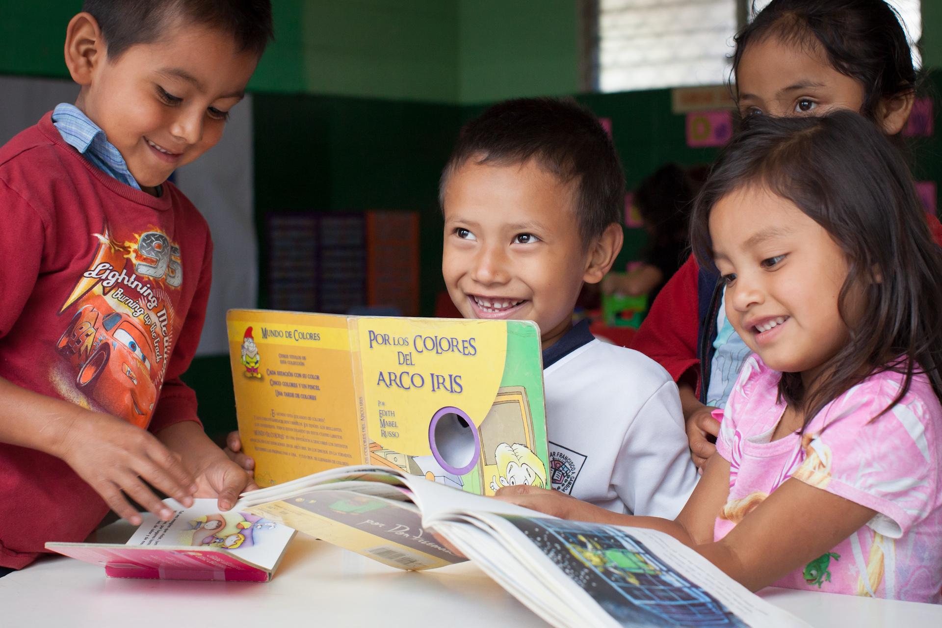 Humanitarian-Education-Contextos-El-Salvador-Children-07.JPG