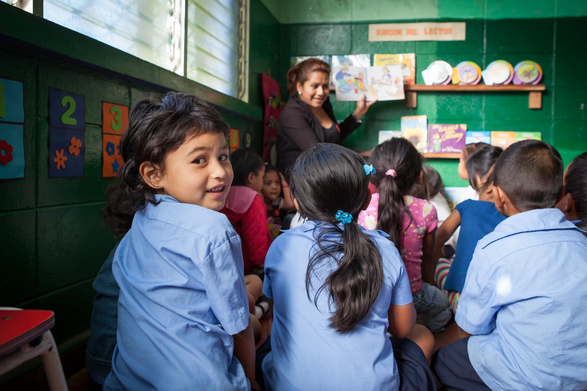 Humanitarian-Education-Contextos-El-Salvador-Jason-Bax-01.JPG