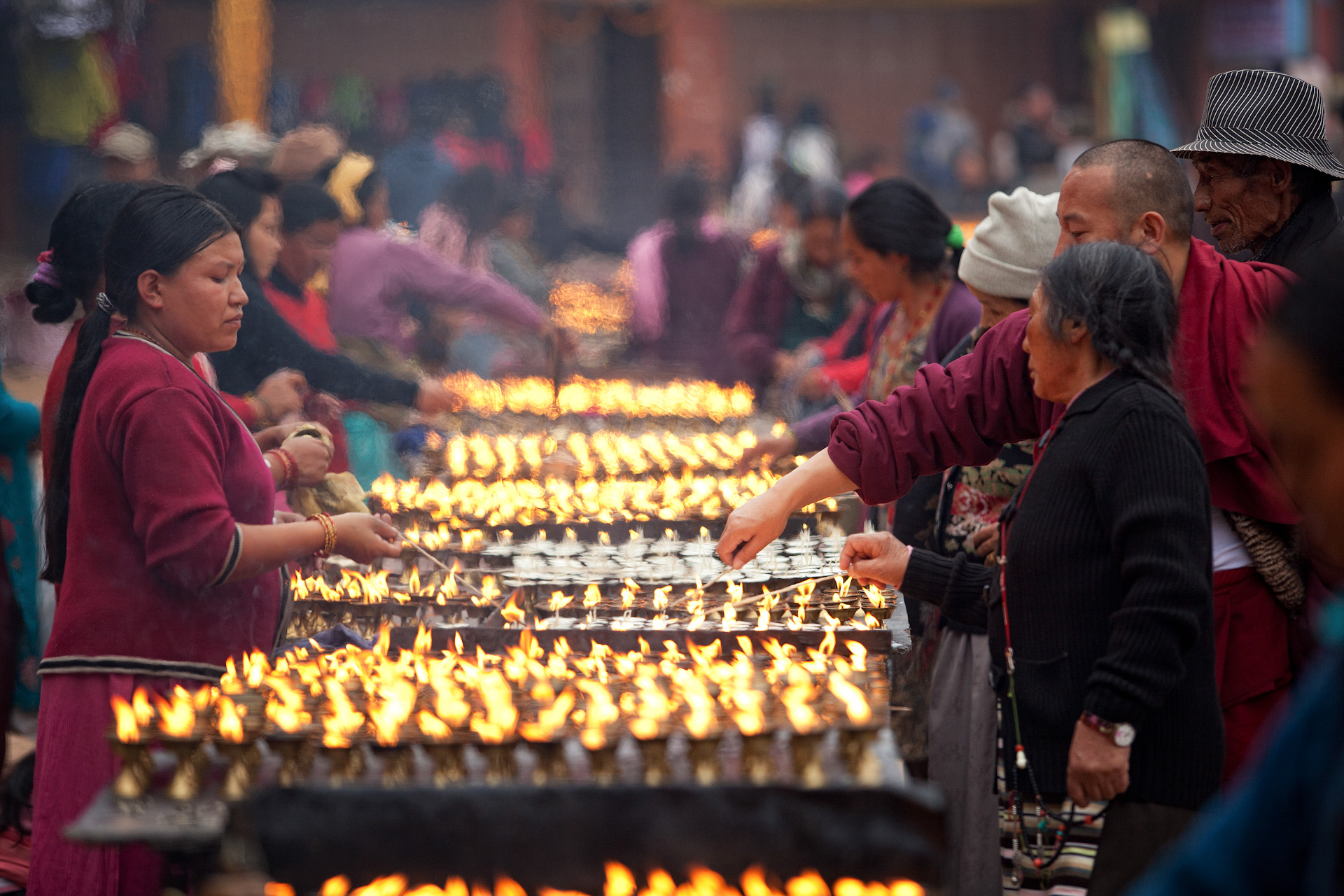 Nepal-Kathmandu-Travel-Boudhanath-Buddhism-Ceremony-lamps_1.JPG