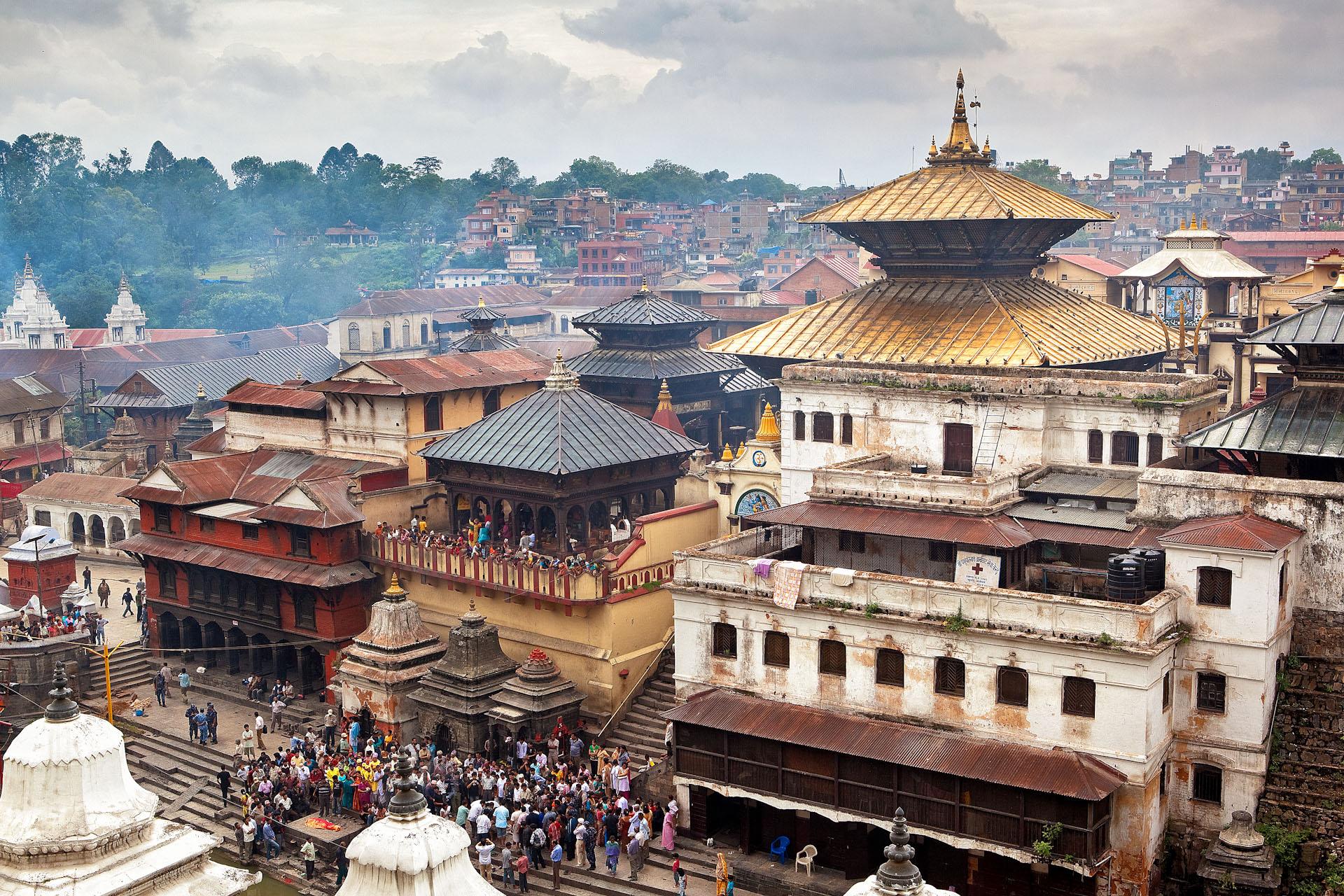 Nepal-Kathmandu-Travel-Pashupatinath-Hindu-Golden-Temple-Cremate.JPG