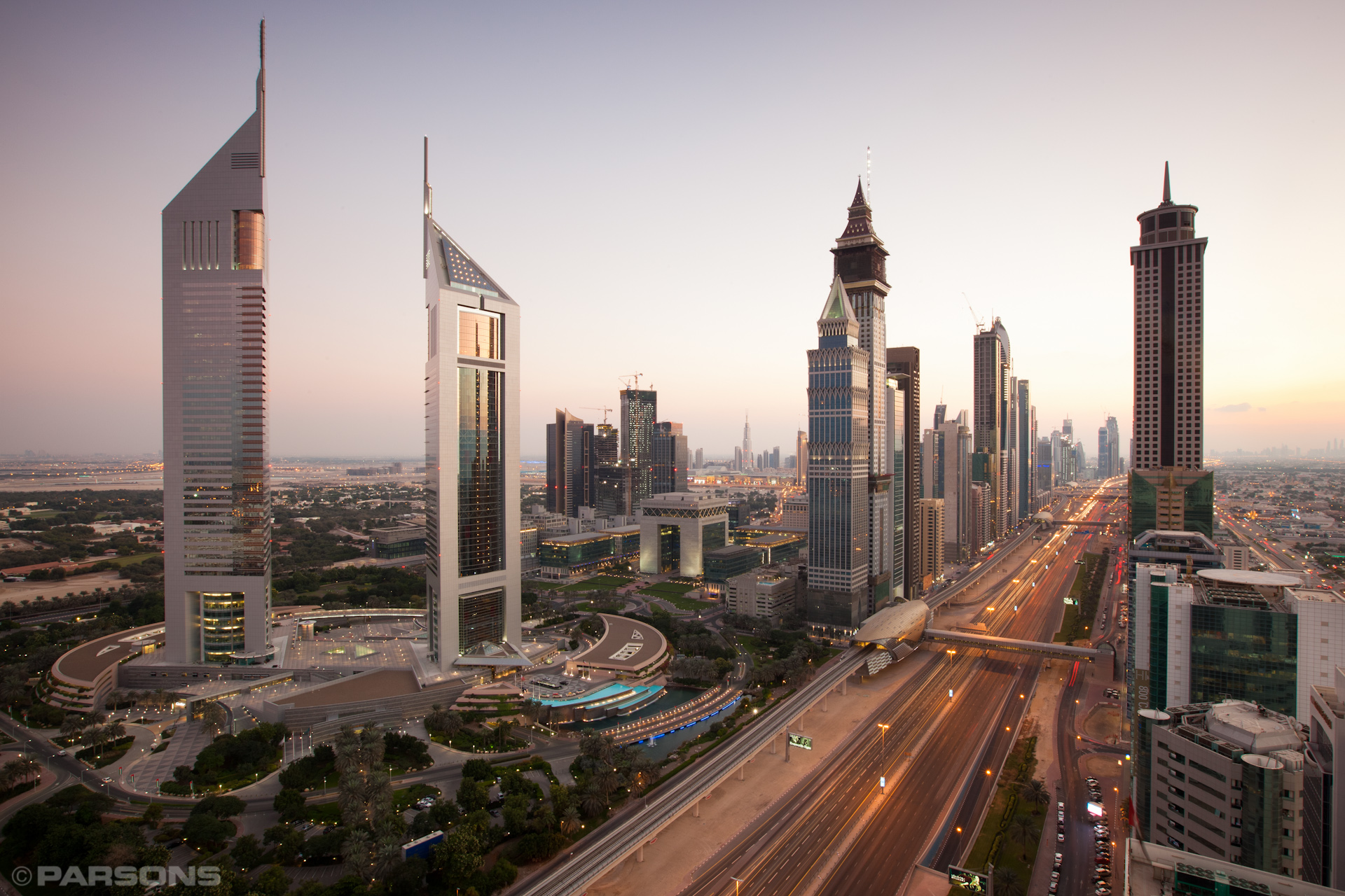 Civil-Engineering-Dubai-Metro-Skyline-UAE-Jason-Bax.JPG