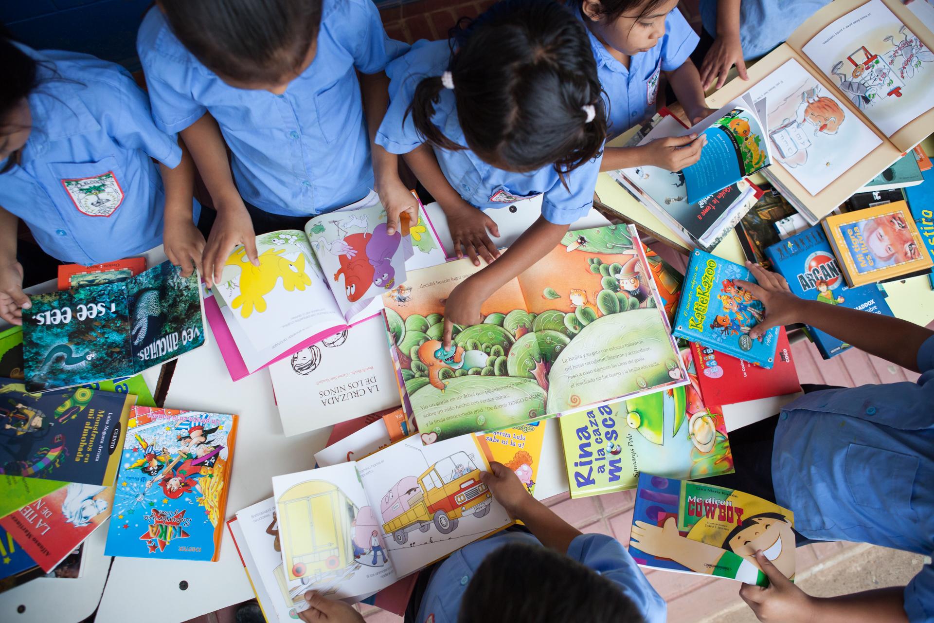 Humanitarian-Education-Contextos-El-Salvador-Corinto-2013_4.JPG