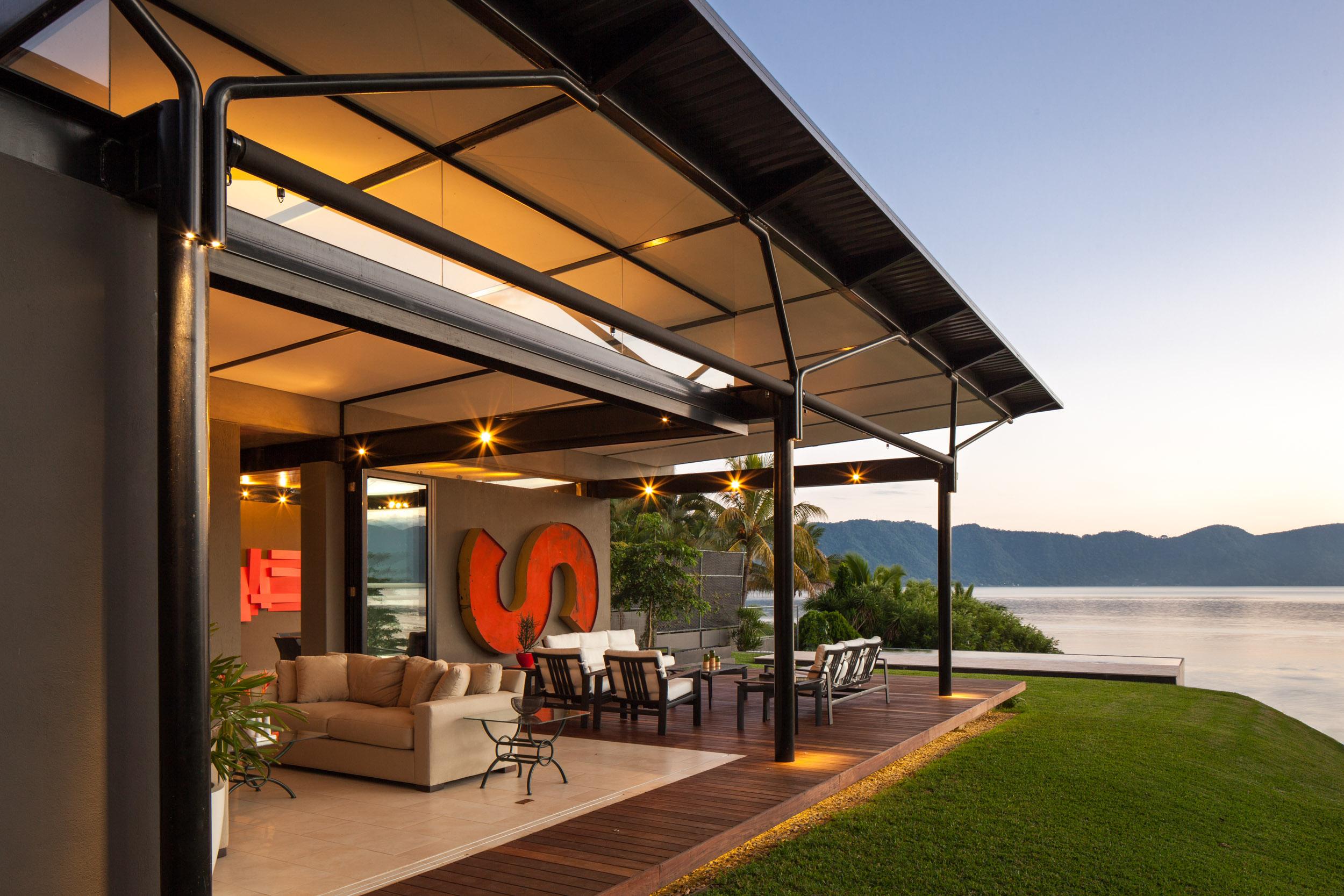 Jason_Bax_SQ_Lake_House_El_Salvador_Architecture_MG_0256.jpg
